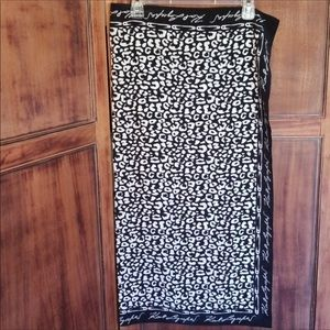 🎈Karl Lagerfeld Black and White Scarf NWOT